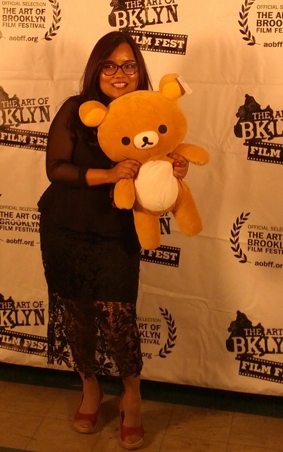 Dee wins a teddy!